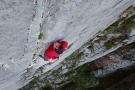 El Sendero Luminoso – Alex Honnold Climbs to the Sky (Video)