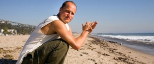 Woody Harrelson – Thoughts From Within, a Stoner Poem on Society (Video)