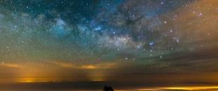 El Teide Mountain – Amazing Milky Way, Clouds, Landscape Time Lapse (Video)